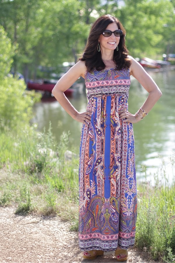 Ana looking gorgeous in a printed maxi dress | 40plusstyle.com