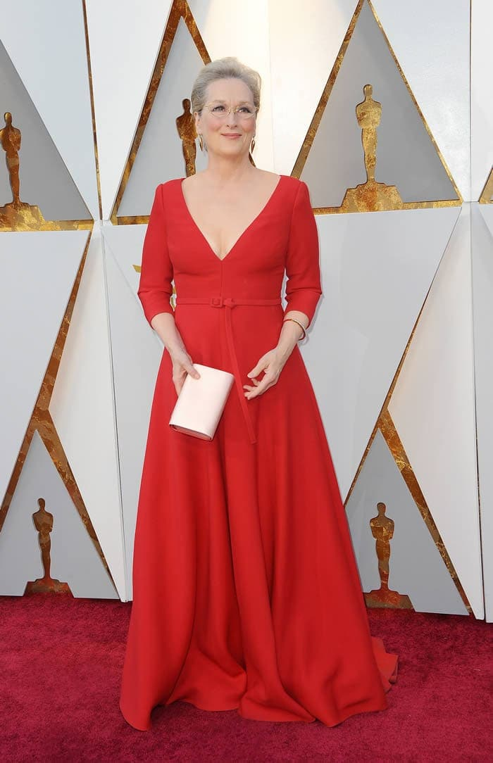 How to build confidence - Meryl Street dressed for the Oscars | 40plusstyle.com