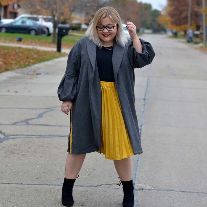 how to dress when you are short and plus size | 40plusstyle.com
