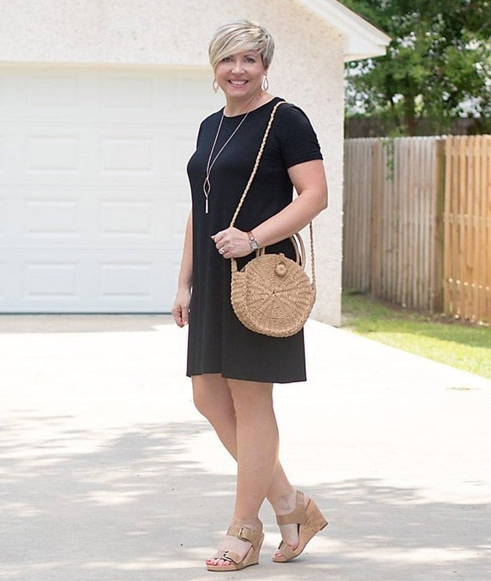 a tunic dress and wedges for the apple shape | 40plusstyle.com