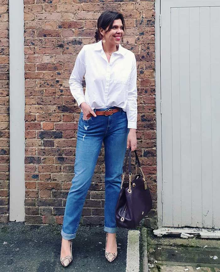 a white shirt and jeans outfit | 40plusstyle.com