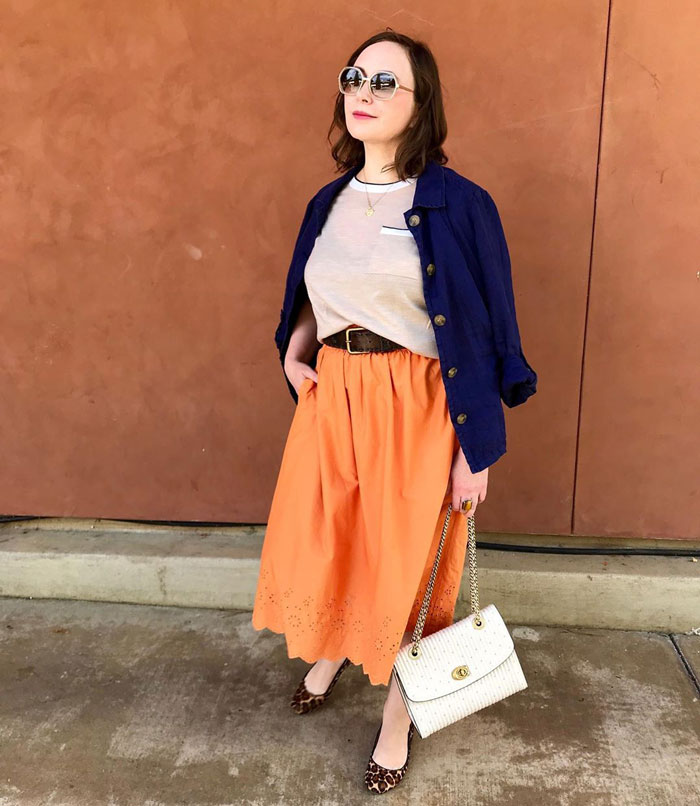 pairing orange with blue | 40plusstyle.com