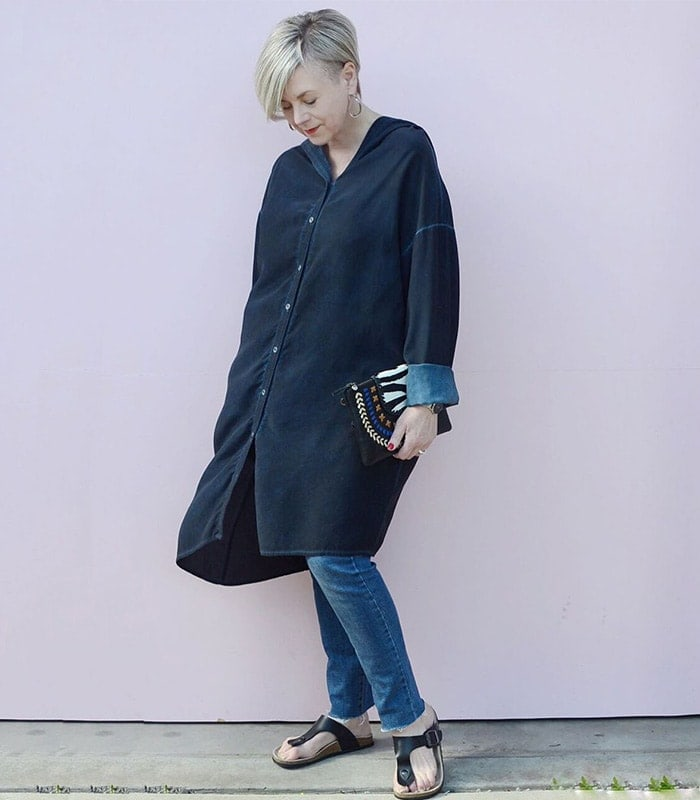 a long shirt dress worn over skinny jeans | 40plusstyle.com