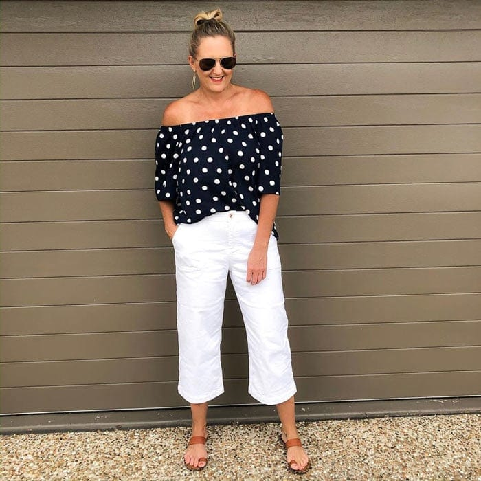 polka dot top and white jeans | 40plusstyle.com