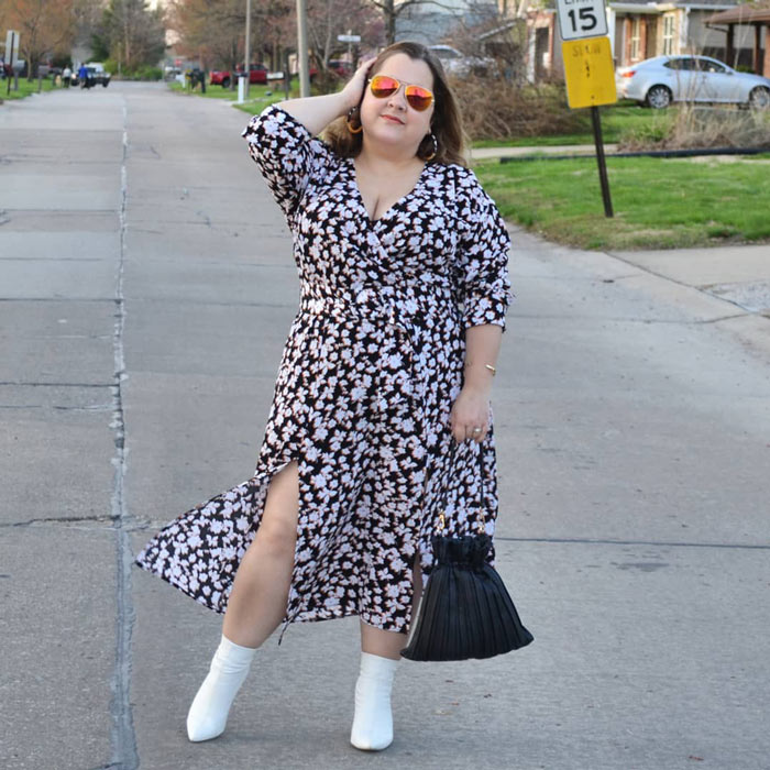 print dresses are perfect for hiding belly bulge | 40plusstyle.com