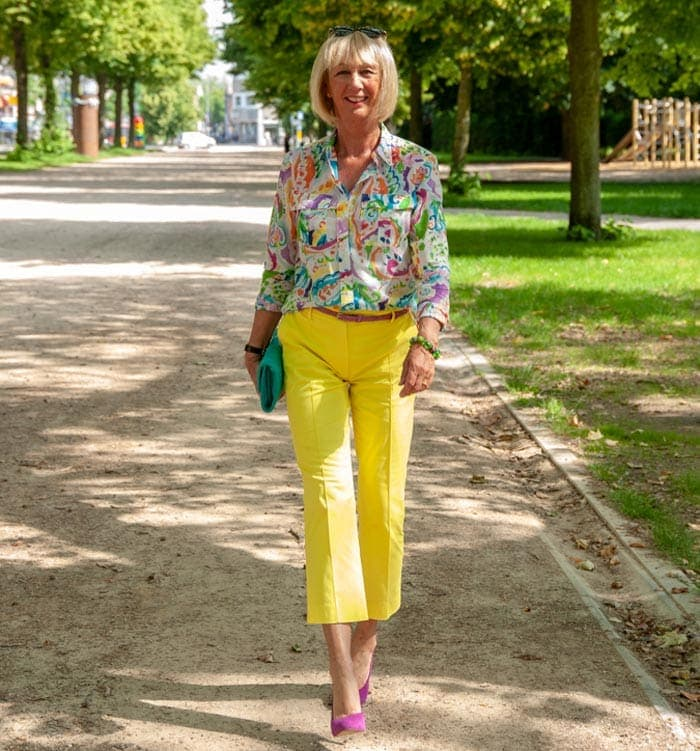 The perfect yellow pants | 40plusstyle.com