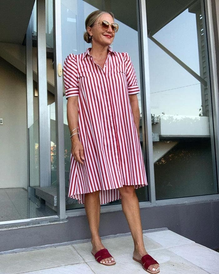 wearing stripes to look taller and slimmer | 40plusstyle.com
