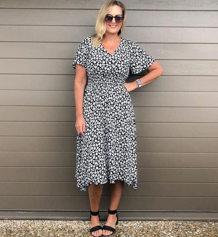 how to wear ankle strap flats with a dress | 40plusstyle.com