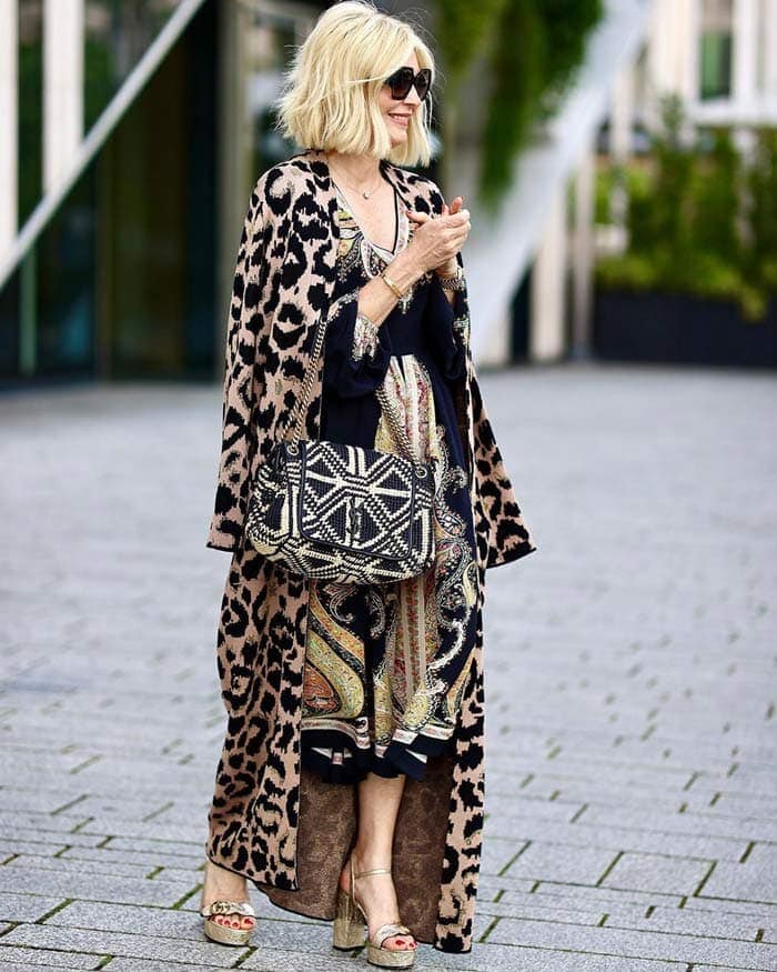 a leopard print outfit for the glamorous style personality | 40plusstyle.com