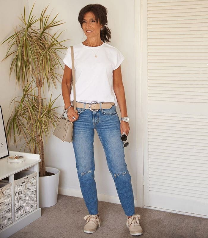 The best white t-shirts for women that don't shrink and aren't see through | 40plusstyle.com