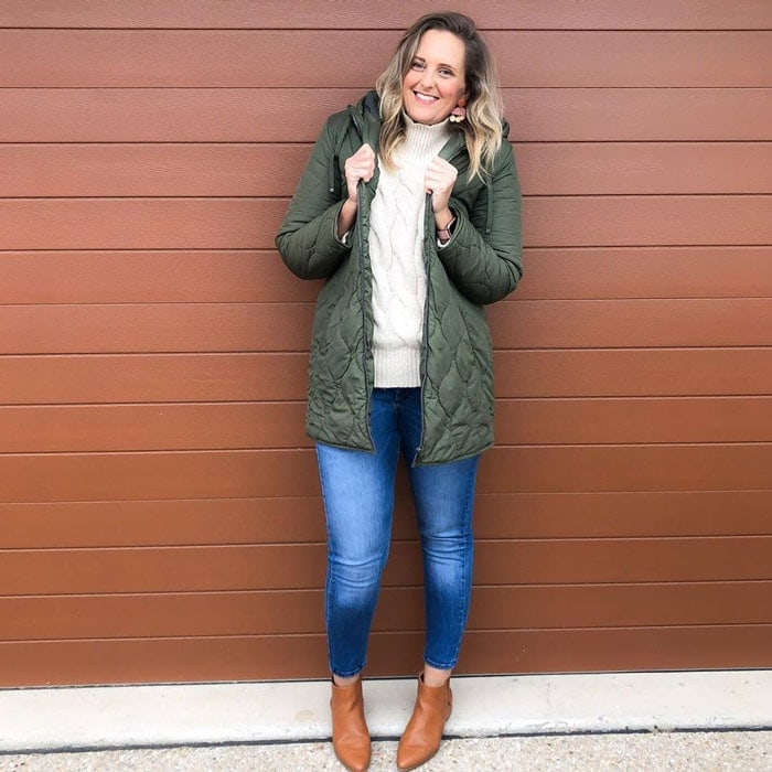 winter coats for women - Nic in a puffer coat | 40plusstyle.com