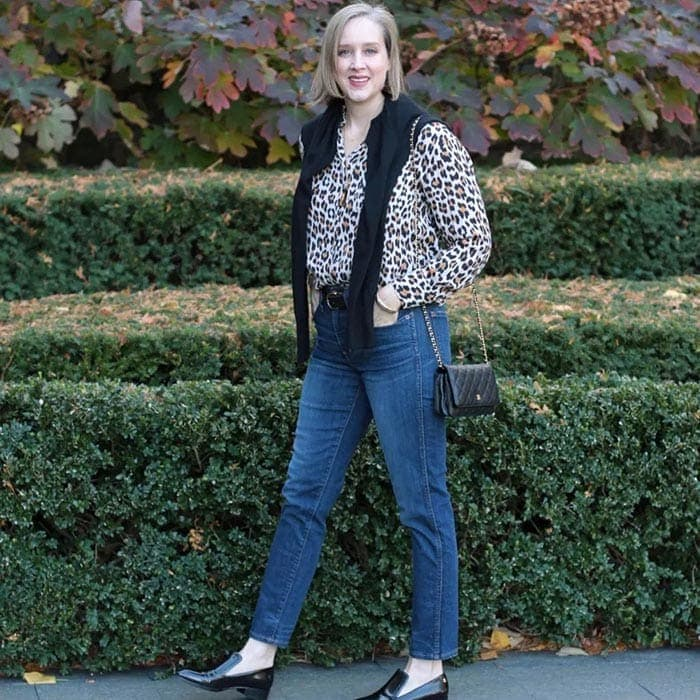 How to dress for Thanksgiving - Ashley wears jeans and a print top | 40plusstyle.com