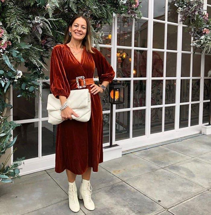 Elena wears a velvet dress for Christmas   40plusstyle.com