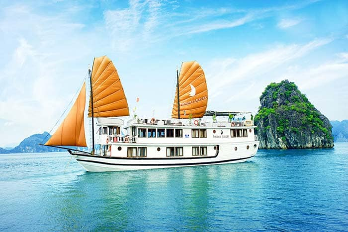 Ha Long Bay Cruise in Vietnam