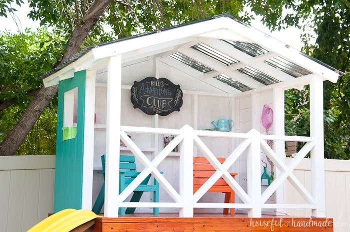 Learn how to create the perfect outdoor playhouse for the kids with the tutorial from Housefulofhandmade.com