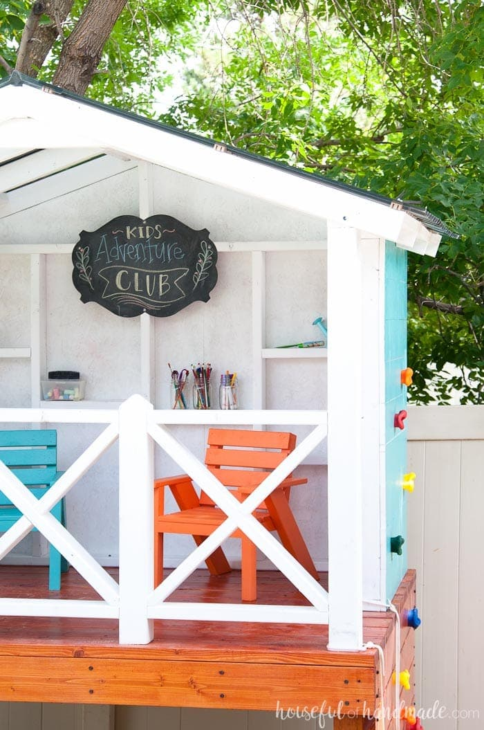 Then outdoor playhouse for the kids is perfect for any backyard. See how to build your own at Housefulofhandmade.com