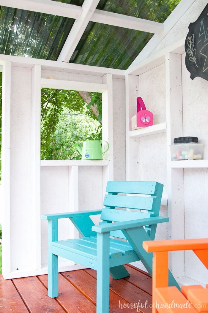 This is the perfect summer hideaway for the kids. Create a wooden DIY playhouse for lots of outdoor fun. Housefulofhandmade.com