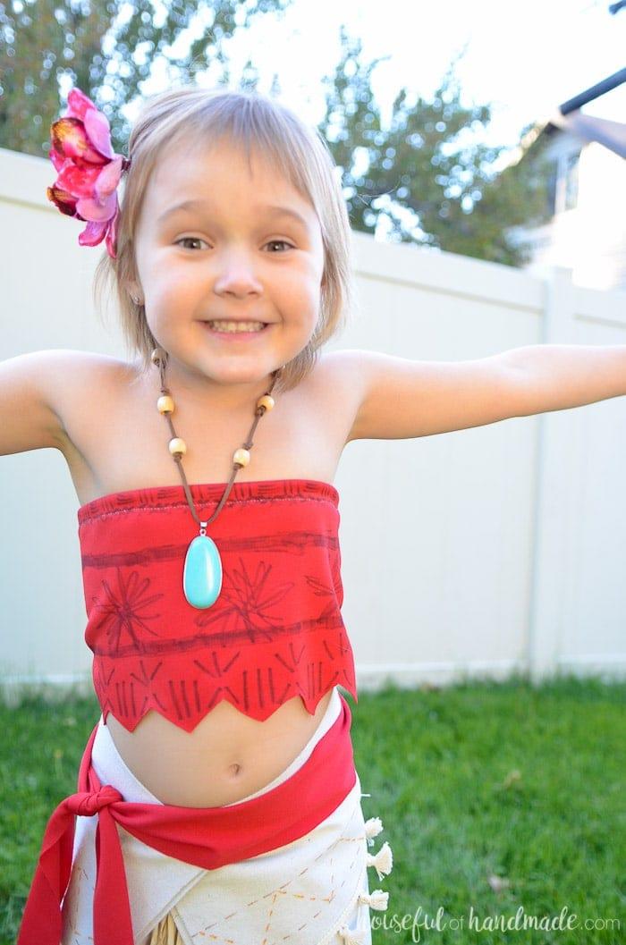 Little girl in beautiful DIY Moana costume!