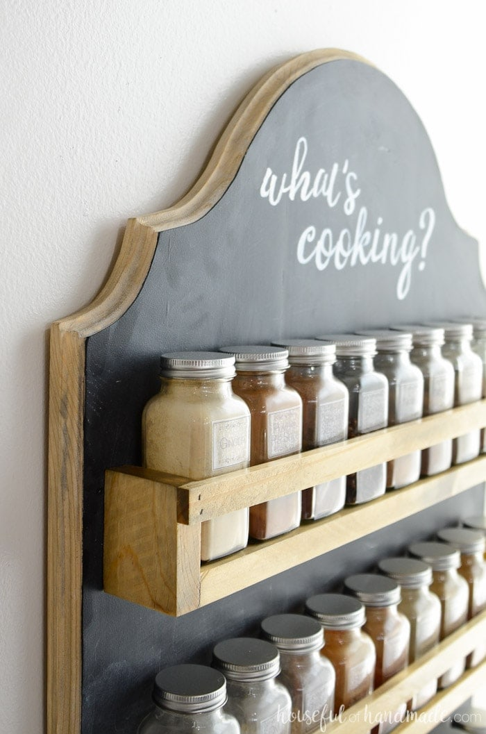 DIY farmhouse style spice rack with free build plan