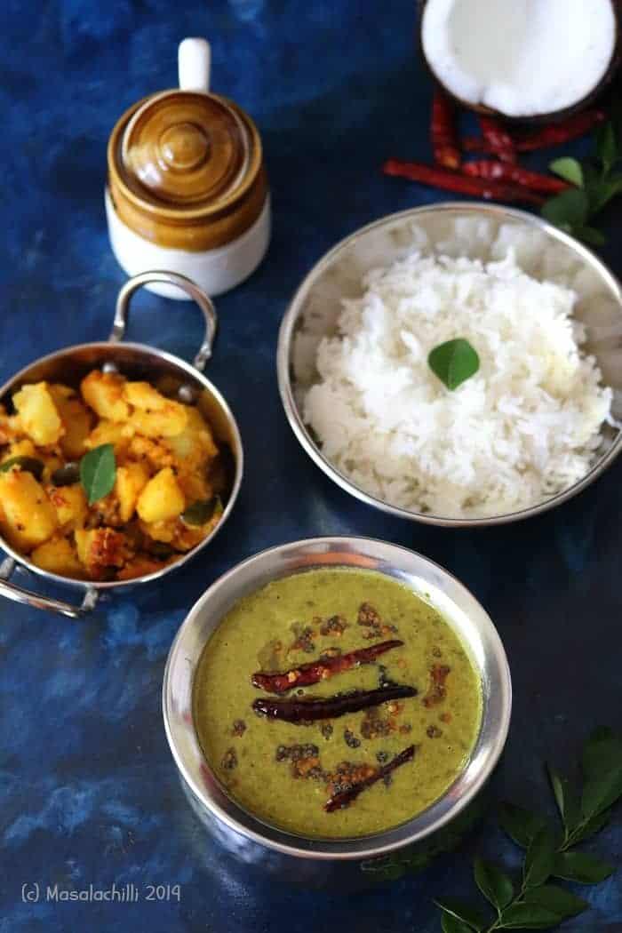 Keerai Molagootal / Palakkad Style Spinach Lentil Curry