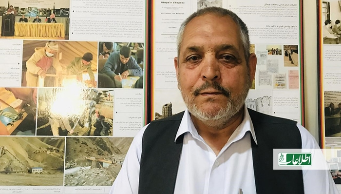 عبدالجلیل توانا، یکی از مشهورترین خوشنویسان هرات است. او چهار دهه میشود که در بخش نوشتن خطوط نستعلیق، کوفی و ثلث مصروف است