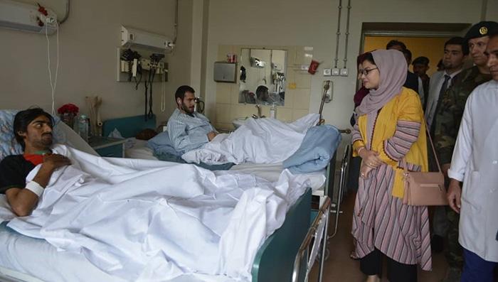 با پیشنهاد وزیر دفاع افغانستان، منیره یوسفزاده مسئولیت معینیت تعلیمات و پرسونل وزارت دفاع را به عهده گرفت که بخشی از مسئولیتهای آن رسیدگی به خانوادههای قربانیان نیروهای امنیتی است.