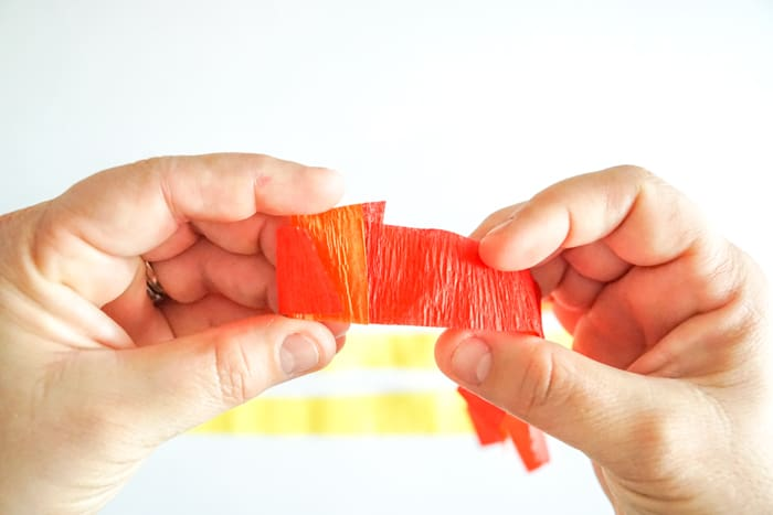 how to accordian fold crepe paper