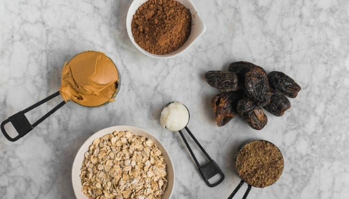Energy bites are the perfect, quick, and healthy snack for the voracious appetite of the pregnant and postpartum mama. Mother Rising's energy bites contain only 6 ingredients, are gluten and dairy free, but best of all, are laden with peanut butter and chocolate. Delicious!