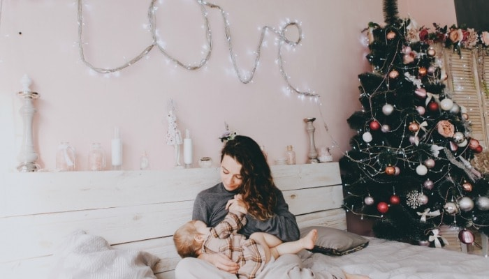 Ever had mastitis? Did you get it during the holidays? For those that are new to the game, here are some tips to avoid holiday mastitis. (And trust me, this is NOT what you want to be dealing with during this busy season!)
