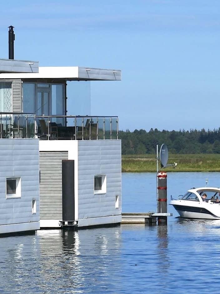Auf einem Hausboot wohnen und leben