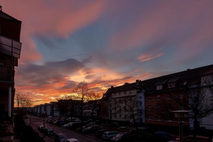 der farbenfrohe Sonnenaufgang vom 30.01.2019 über Erfurt fotografiert mit deer Canon EOS R & dem Sigma Art 20mm
