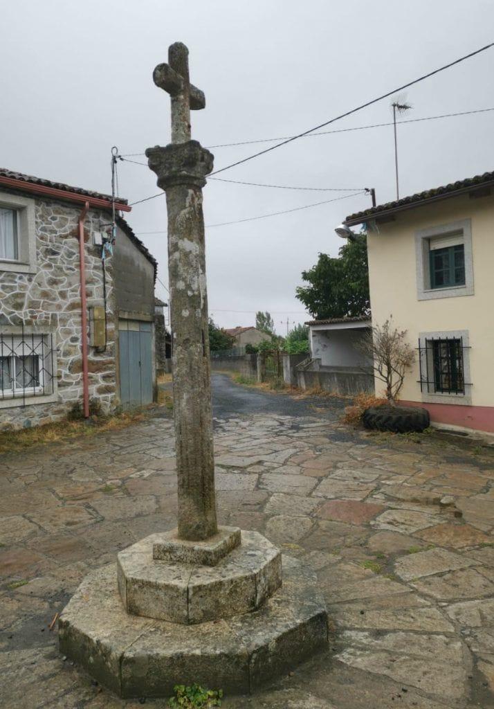 cruceiros gallegos en ciudades, pueblos y aldeas por toda Galicia
