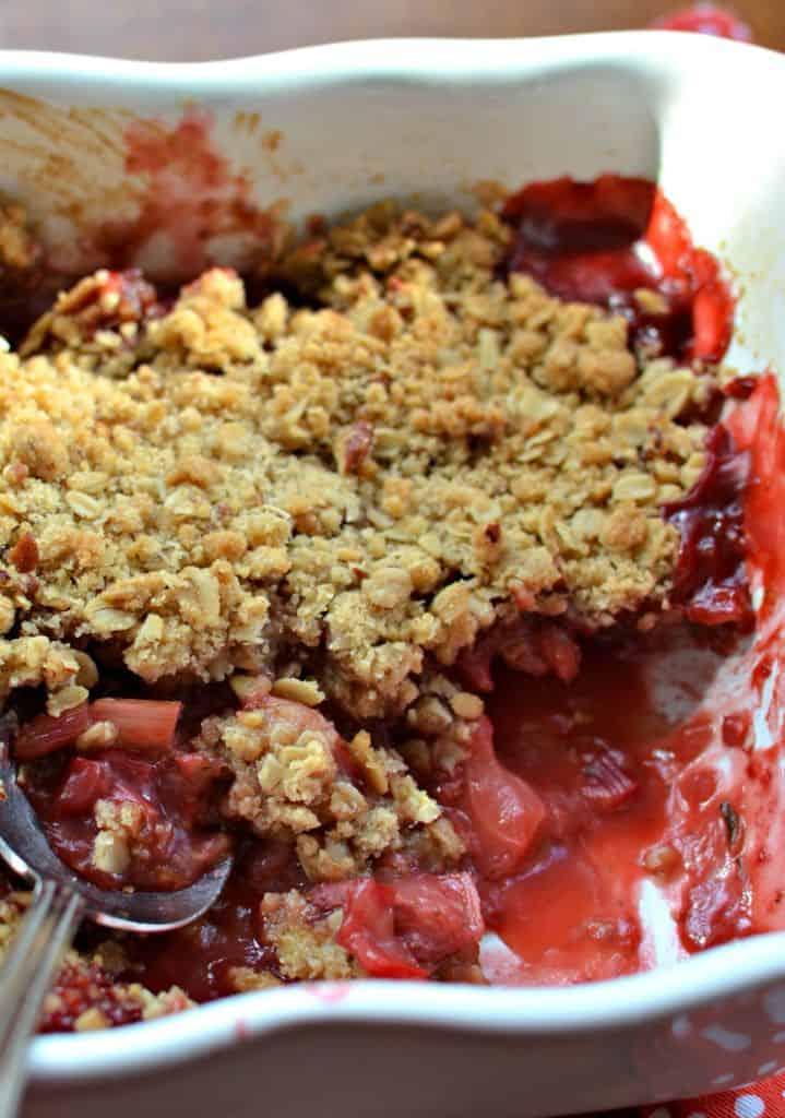 Strawberry Rhubarb Oatmeal Crumble