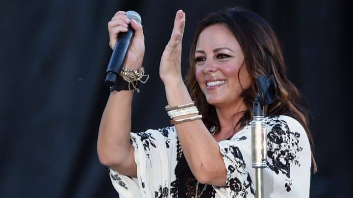 #world - Sara Evans, REO Speedwagon Tapped for 'CMT Crossroads' | @Rolling Stone Artes & contextos world sara evans reo speedwagon tapped for cmt crossroads rolling stone