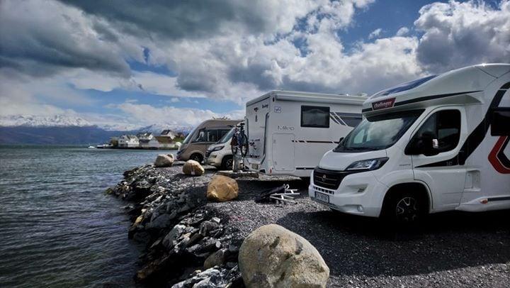 Ny bubil camp ved Hardangerfjorden/Øystese.