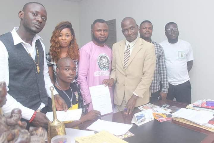 Obaseki Gives Disabled Rapper, Razaly, N10M With 3-Year Record Deal (Photos) Mandy News – Latest Nigeria News | Bet9ja Booking Codes | Sure Prediction