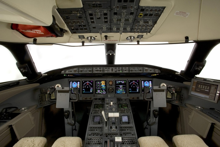 Bombardier_Global_Express_XRS_Cockpit1
