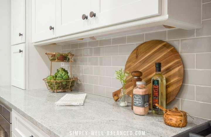 clutter free kitchen counter