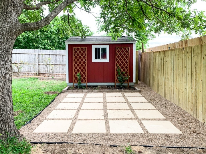 paver and pea gravel patio
