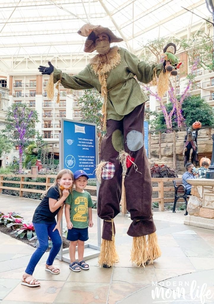 gaylord texan goblins and giggles