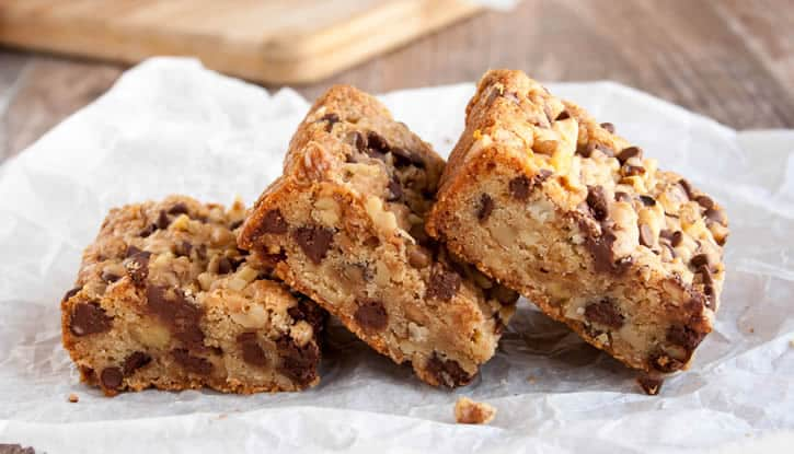 chewy-nutty-toffee-blondies-08