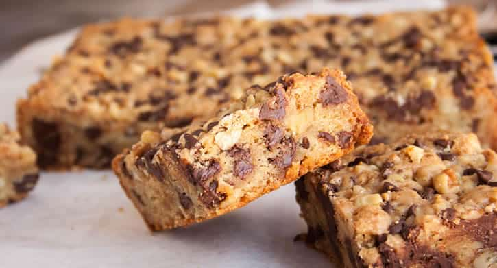 chewy-nutty-toffee-blondies-09