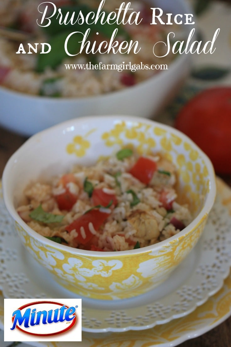 #AD Need a quick summer meal? Try this Bruschetta Rice and Chicken Salad recipe made with Minute® Rice. So simple and delicious! #MinuteMeals