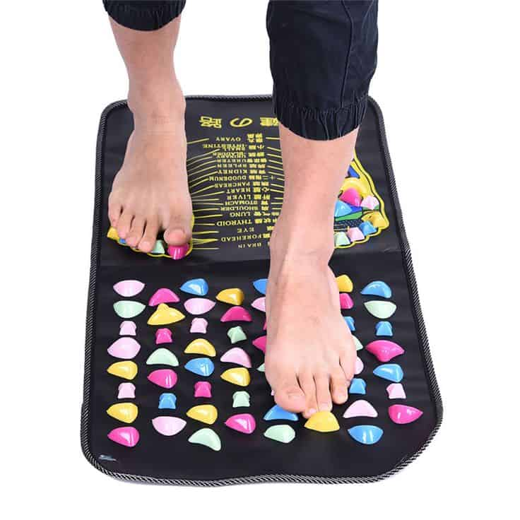 Massage pad for flat soles.