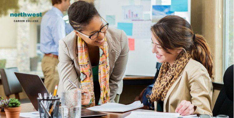 Business Administrative Assistant businesswomen work together on project
