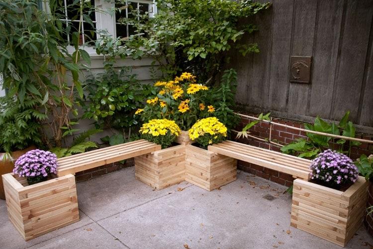 Садовые скамейки для уютного сада