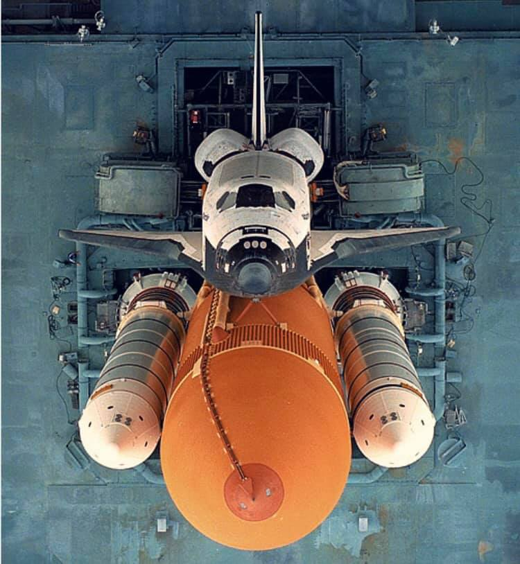 Space_Shuttle_Rampa_Alto