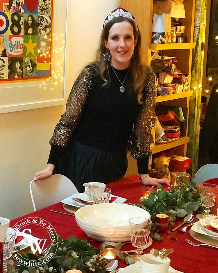 Sisley White Sew White by her Red Gold and Nature Christmas Table on Christmas day