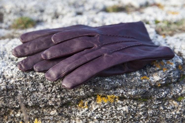 Теплые мужские перчатки цвета Бургундия от Gant
