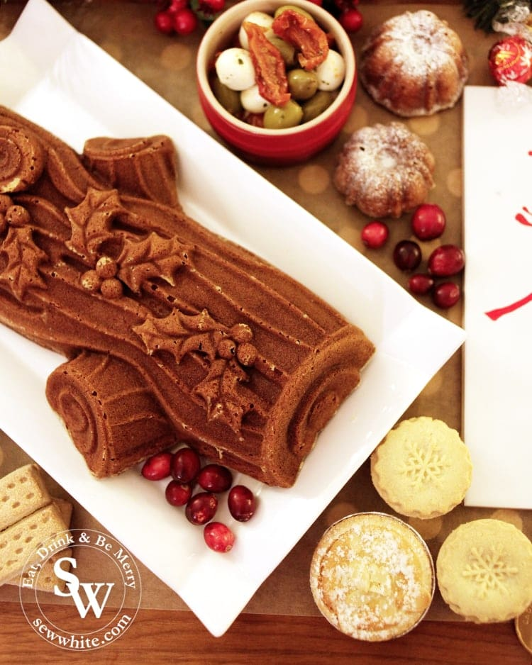 Christmas yule log lemon and cranberry cake with the nordic ware cake tin